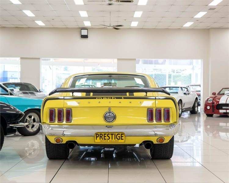 ford mustang 809534 013
