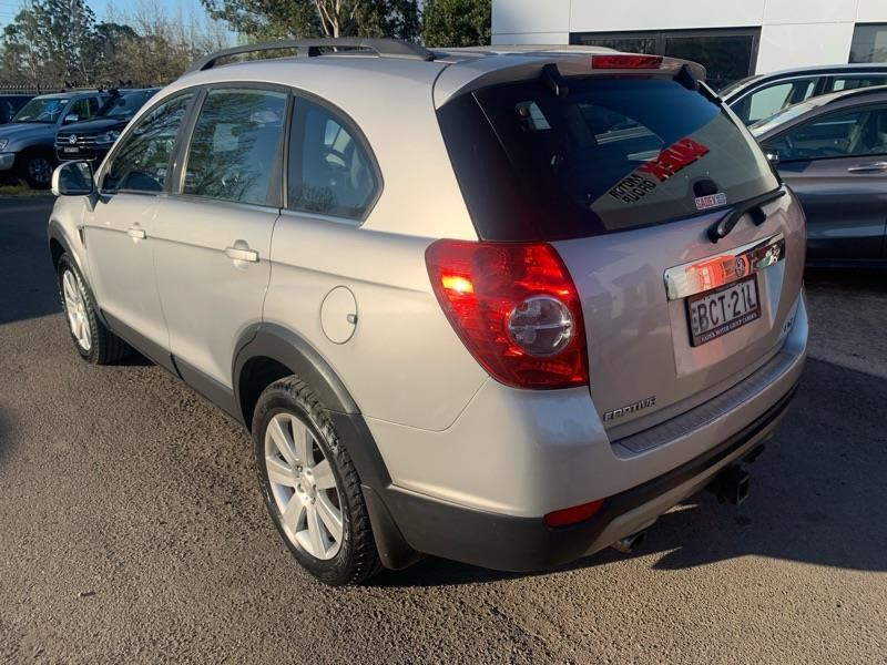 holden captiva 809259 011
