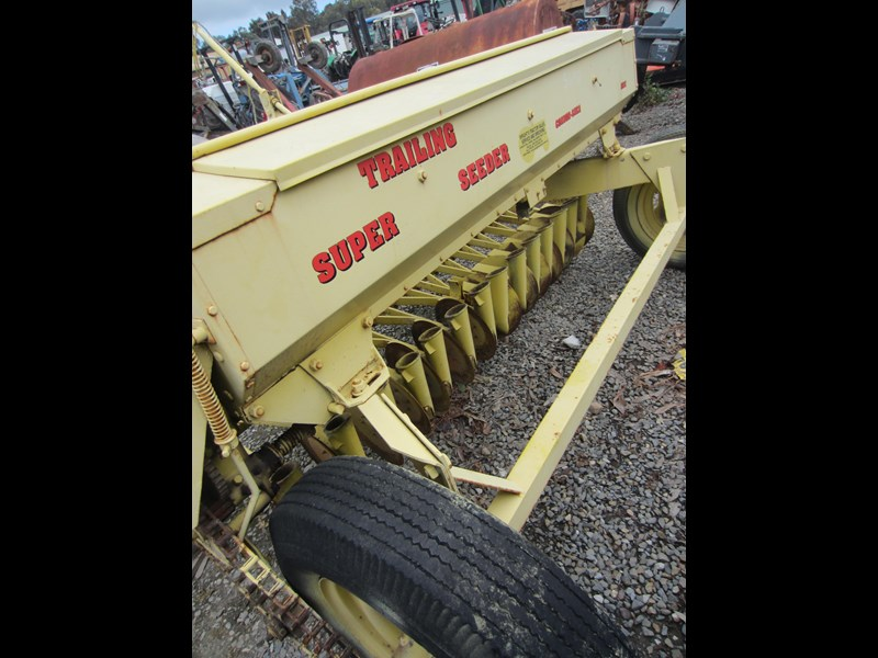connor shea 14 row disc super seeder trailing 513327 059