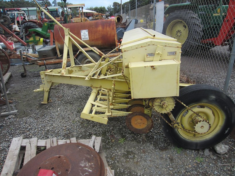 connor shea 14 row disc super seeder trailing 513327 061