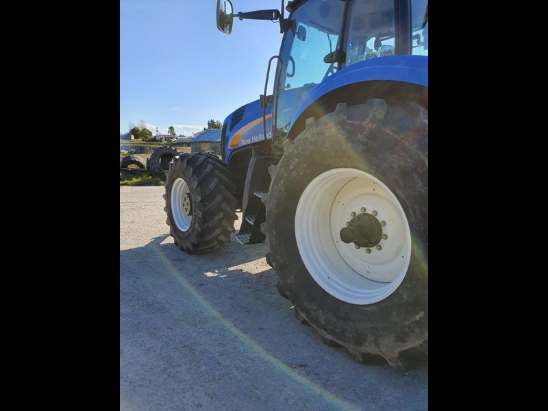 new holland t8040 810747 007