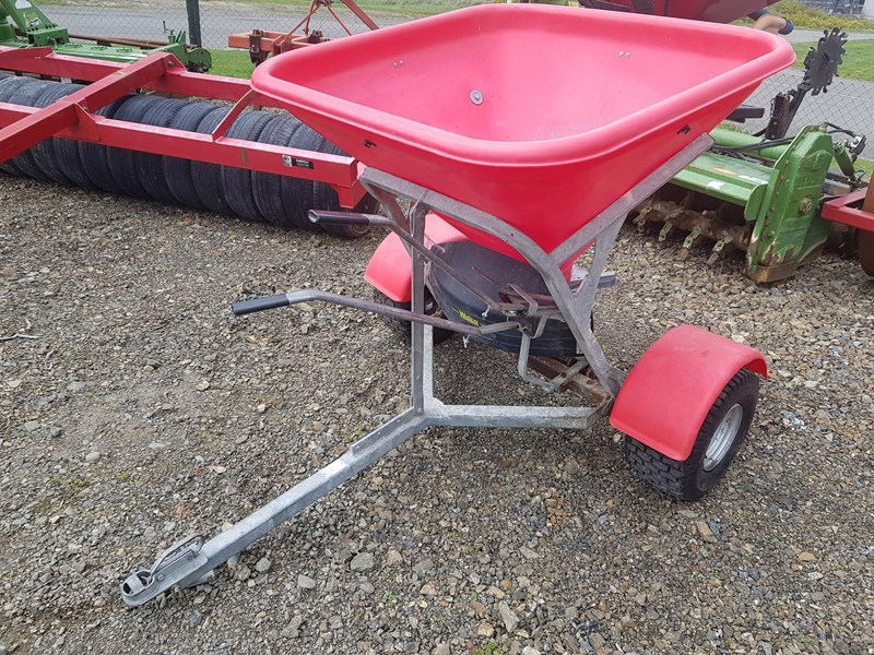 walco 350 atv spreader 811898 001