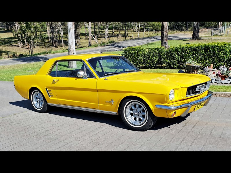 ford mustang 812292 001