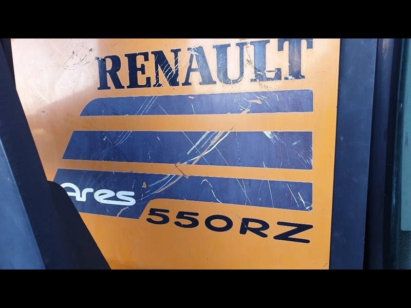 renault ares 550 813673 011