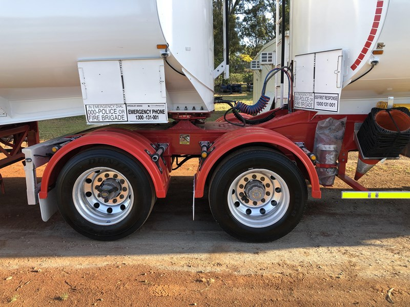 marshall lethlean 19m b-double fuel tankers 815208 027