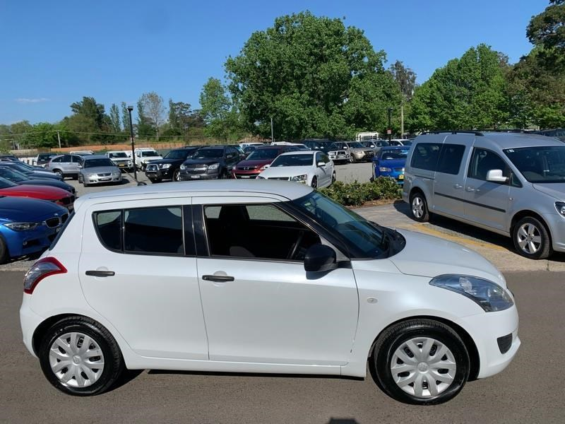 suzuki swift 813744 013