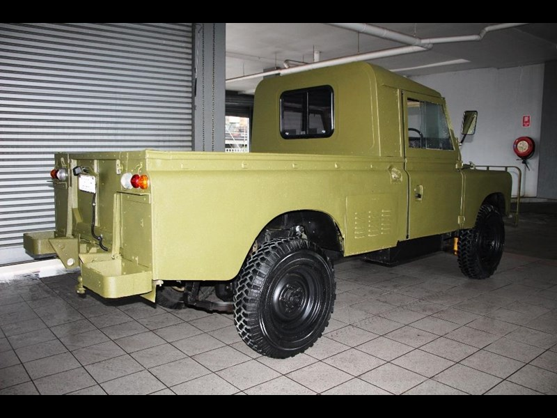 land rover series 3 815794 009