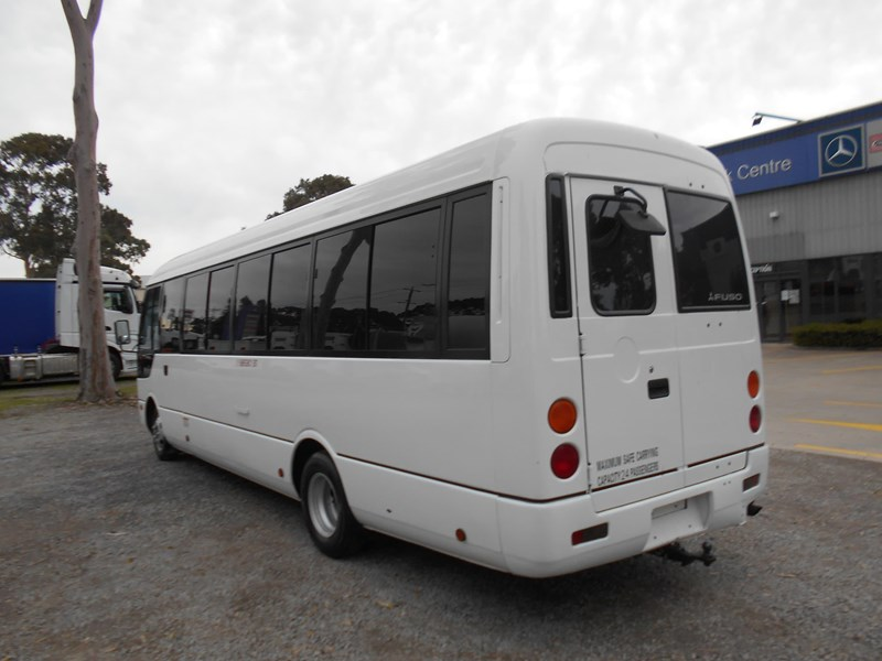 fuso rosa deluxe 25 seater 790104 009