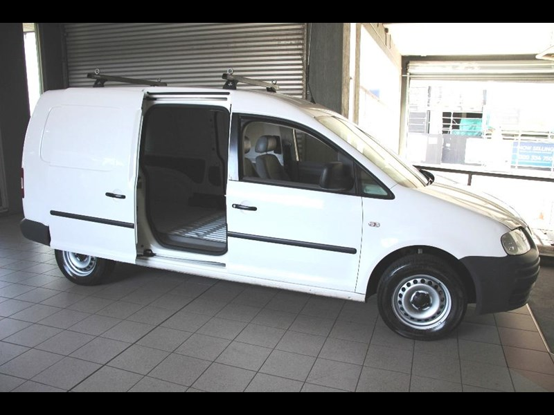 volkswagen caddy 817570 011