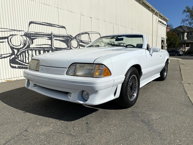 ford mustang 818093 001