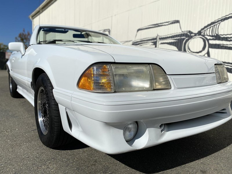 ford mustang 818093 033