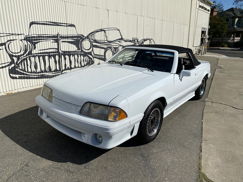 ford mustang 818093 087