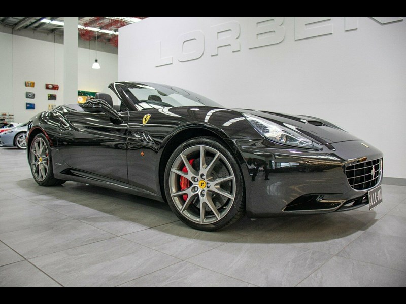 ferrari california 818869 001