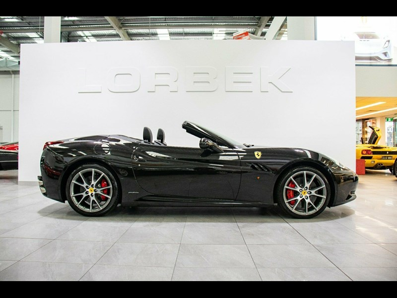 ferrari california 818869 011
