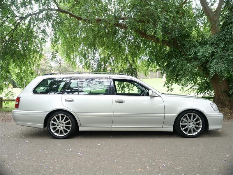 toyota crown 818920 005