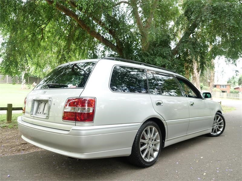 toyota crown 818920 025