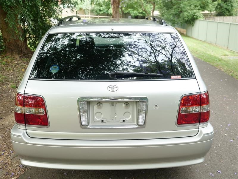 toyota crown 818920 035