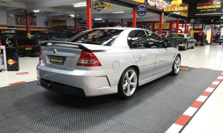 holden hsv 820474 009