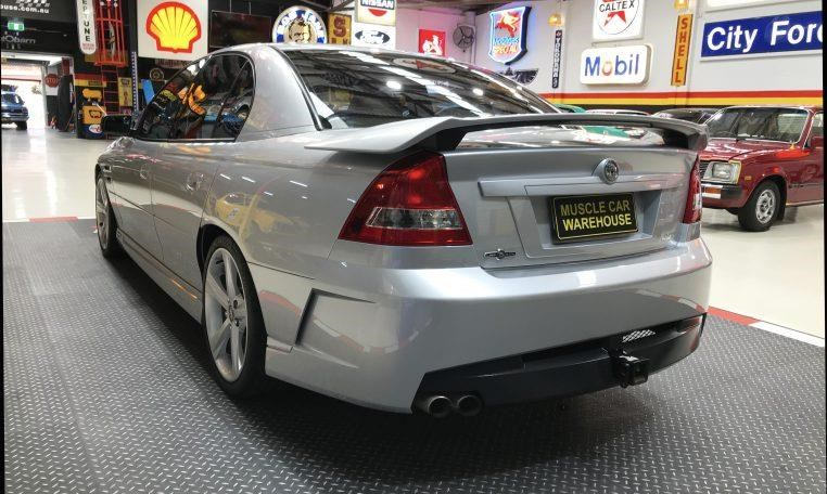 holden hsv 820474 013