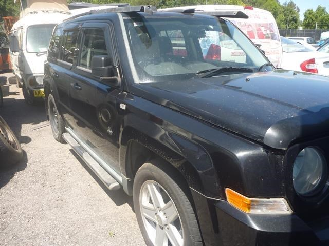 jeep patriot 821057 001