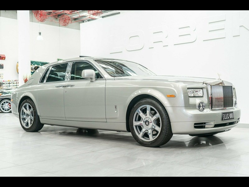 rolls-royce phantom 821305 001