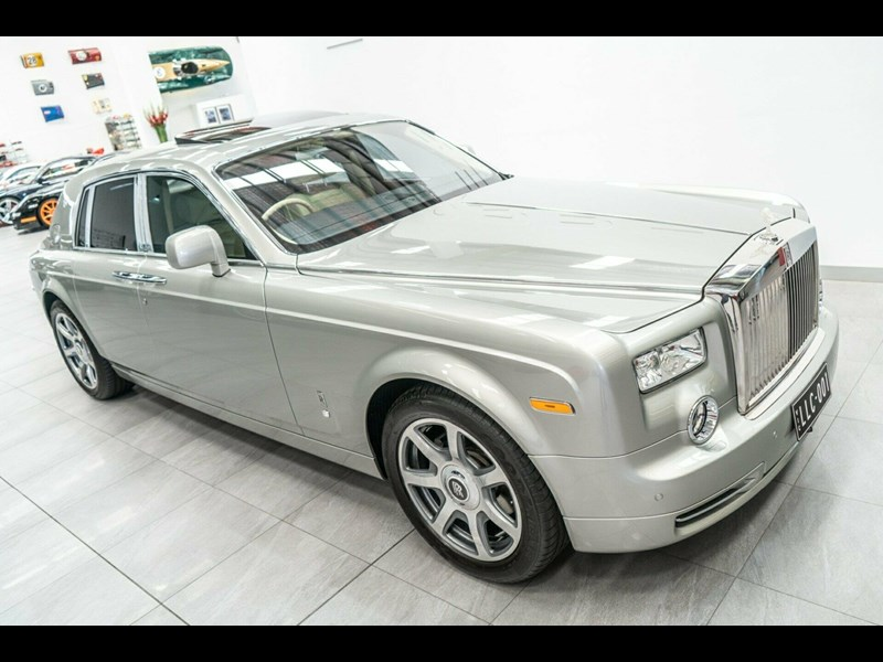 rolls-royce phantom 821305 003