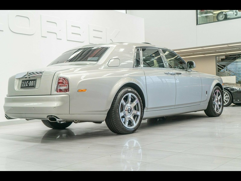 rolls-royce phantom 821305 017