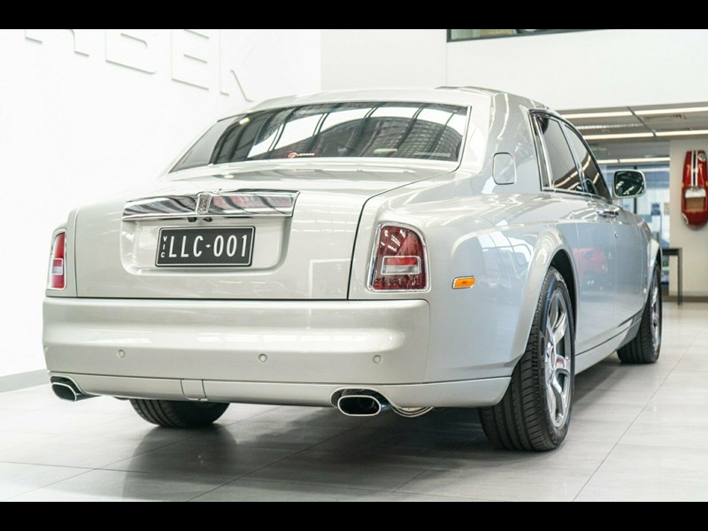 rolls-royce phantom 821305 021