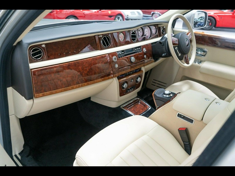 rolls-royce phantom 821305 047