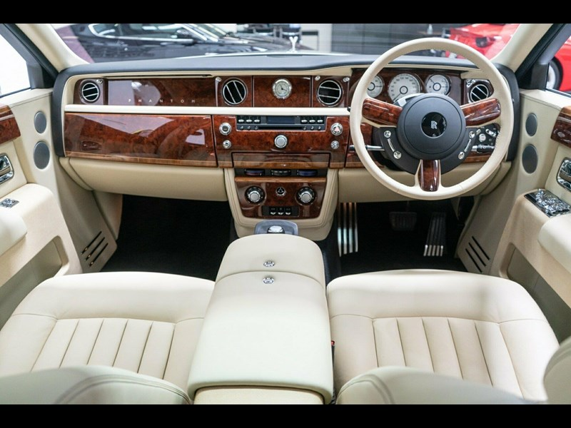 rolls-royce phantom 821305 051