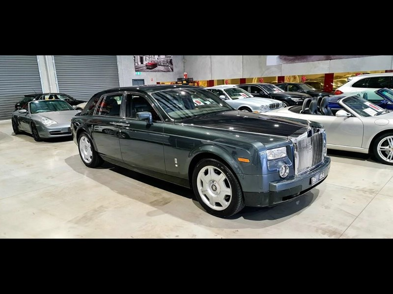 rolls-royce phantom 824359 005