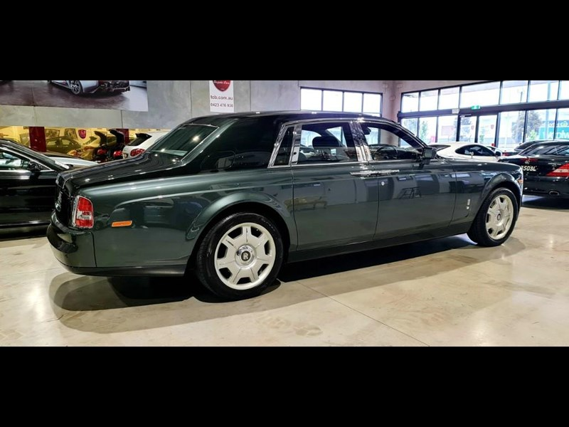 rolls-royce phantom 824359 013