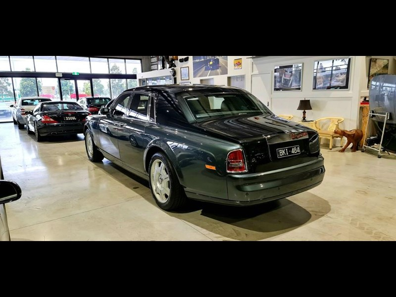 rolls-royce phantom 824359 025