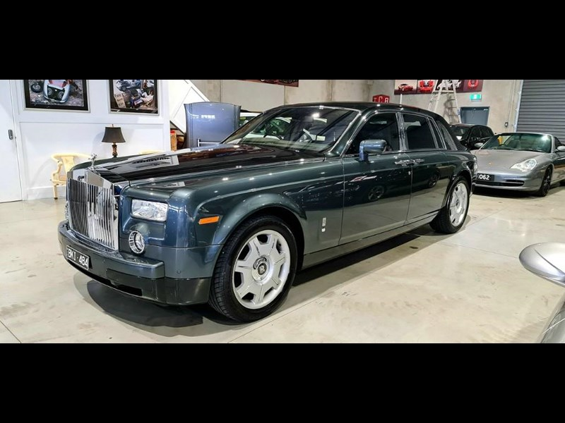 rolls-royce phantom 824359 033