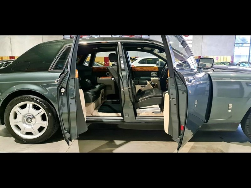 rolls-royce phantom 824359 051
