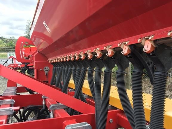 duncan ag eco seeder 18 run single box drill 824514 025
