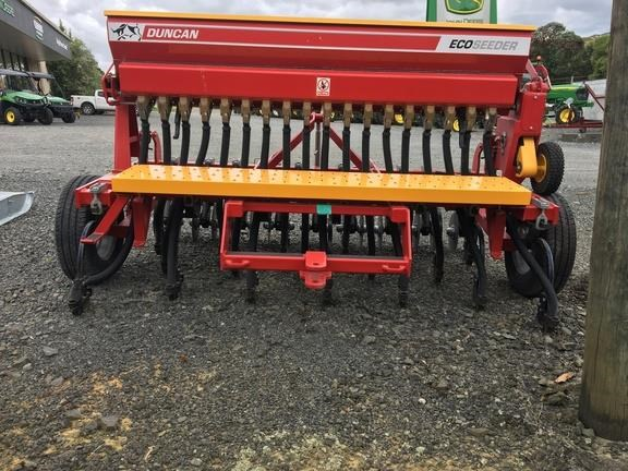 duncan ag eco seeder 18 run single box drill 824514 037