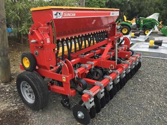 duncan ag eco seeder 18 run single box drill 824514 031
