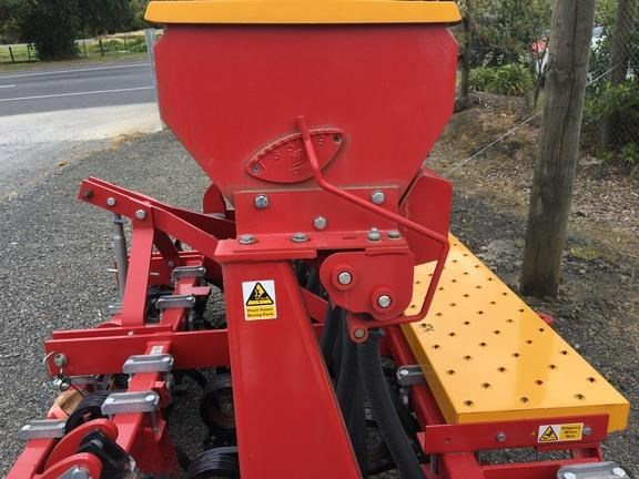 duncan ag eco seeder 18 run single box drill 824514 027