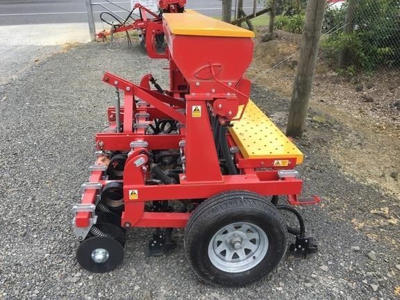 duncan ag eco seeder 18 run single box drill 824514 005