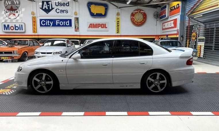 holden hsv 824585 005