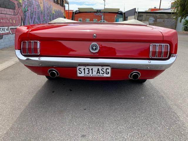 ford mustang 823122 081
