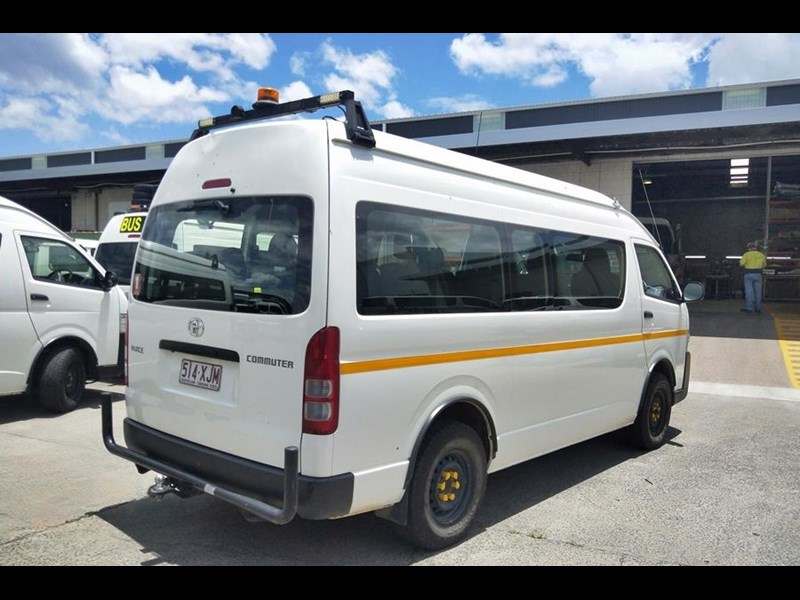 toyota 4x4 conversion of hiace commuter 825873 005