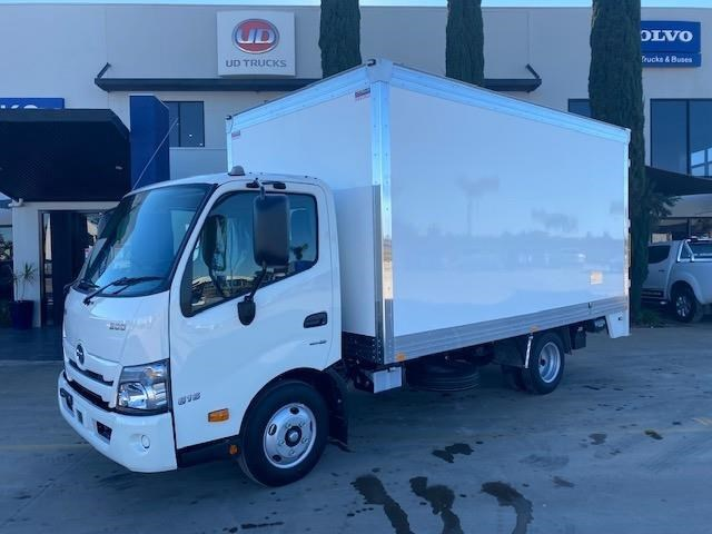hino other 828403 009