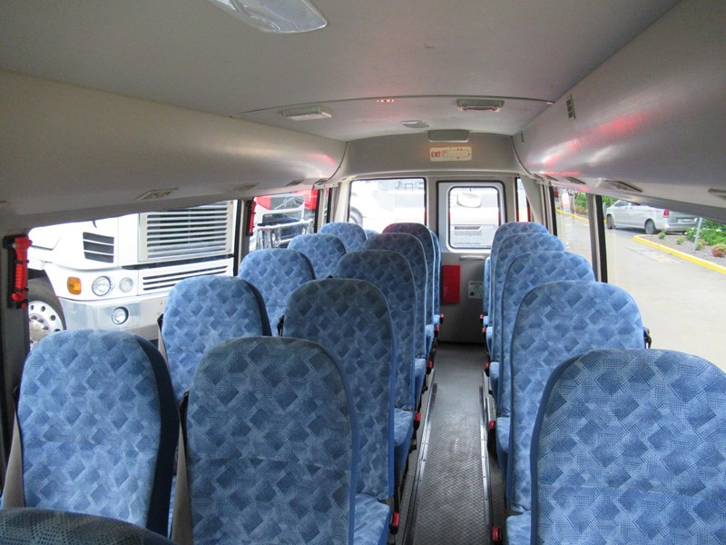 fuso rosa deluxe 25 seats 829132 037