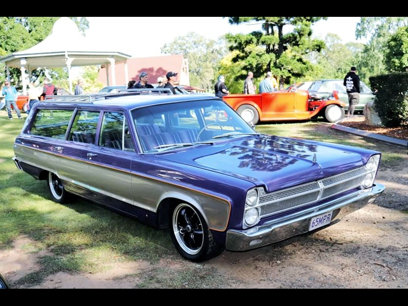 plymouth fury 830274 001