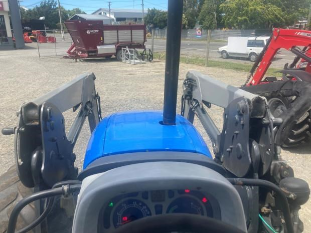 new holland t5060 758604 009
