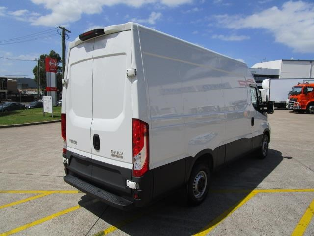 iveco daily 832990 013
