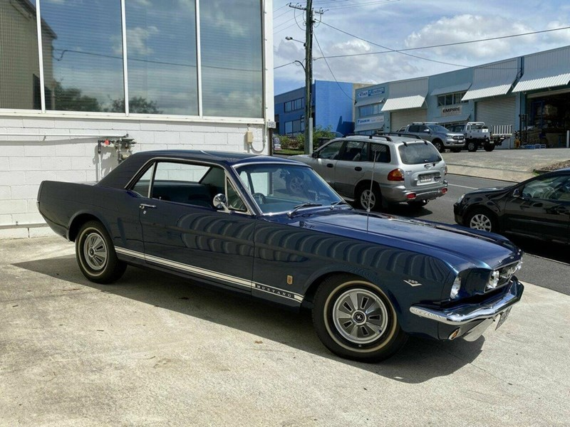 ford mustang 836264 005