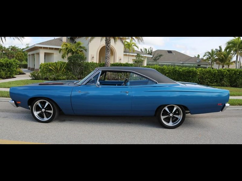 plymouth road runner 837453 009